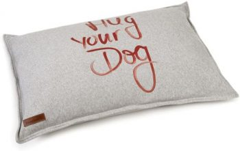 Beeztees Hondenkussen Hug Your Dog Grijs 70 cm