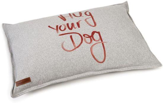 Beeztees Hondenkussen Hug Your Dog Grijs 70 cm